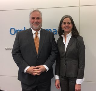 January 13, 2020: Ombudsman Paul Dubé welcomes Deputy Ombudsman and French Language Services Commissioner Kelly Burke to our Office.